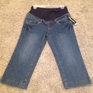 S or M Cropped Maternity Jean Capri Pants NWT!